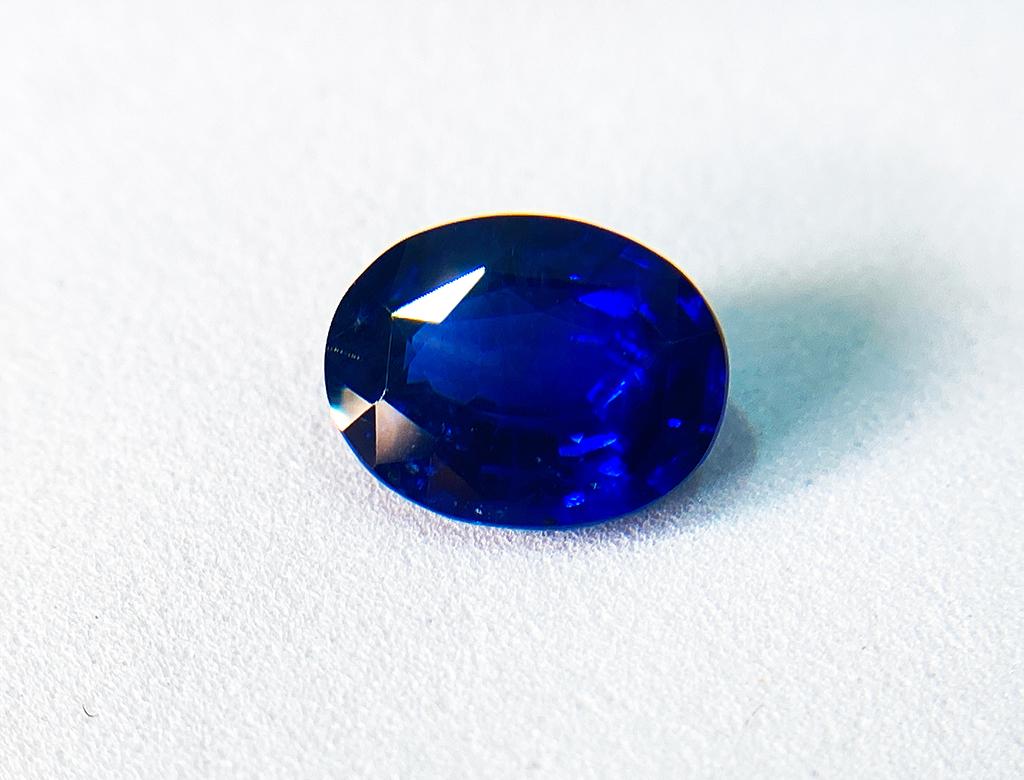 4.03卡天然藍寶石
