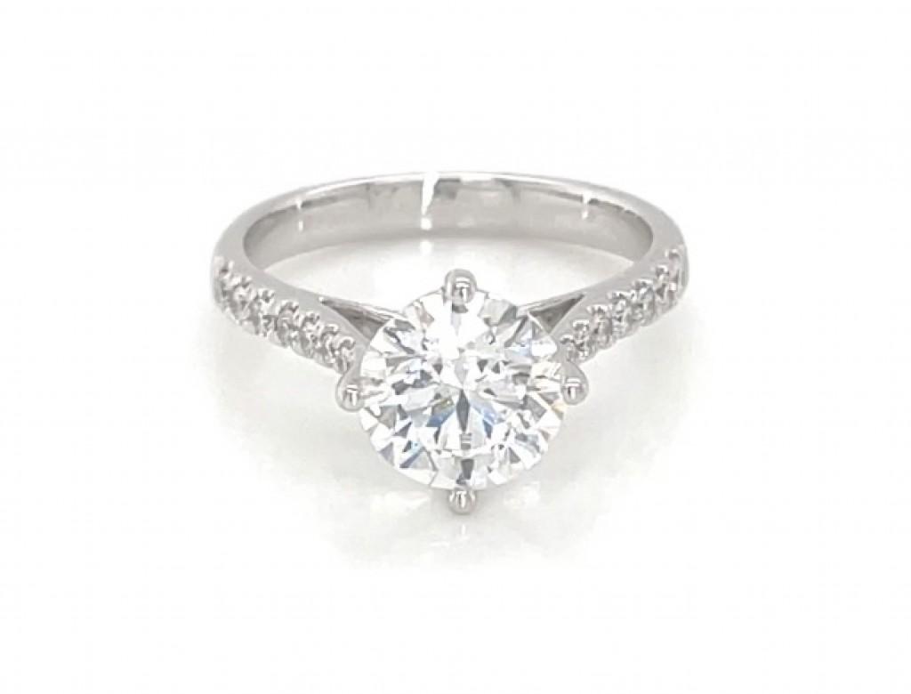 18K圓形鑽石戒指
