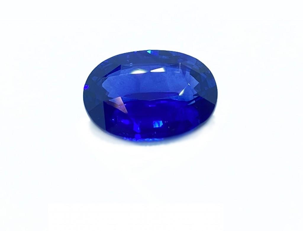 6.12卡天然藍寶石